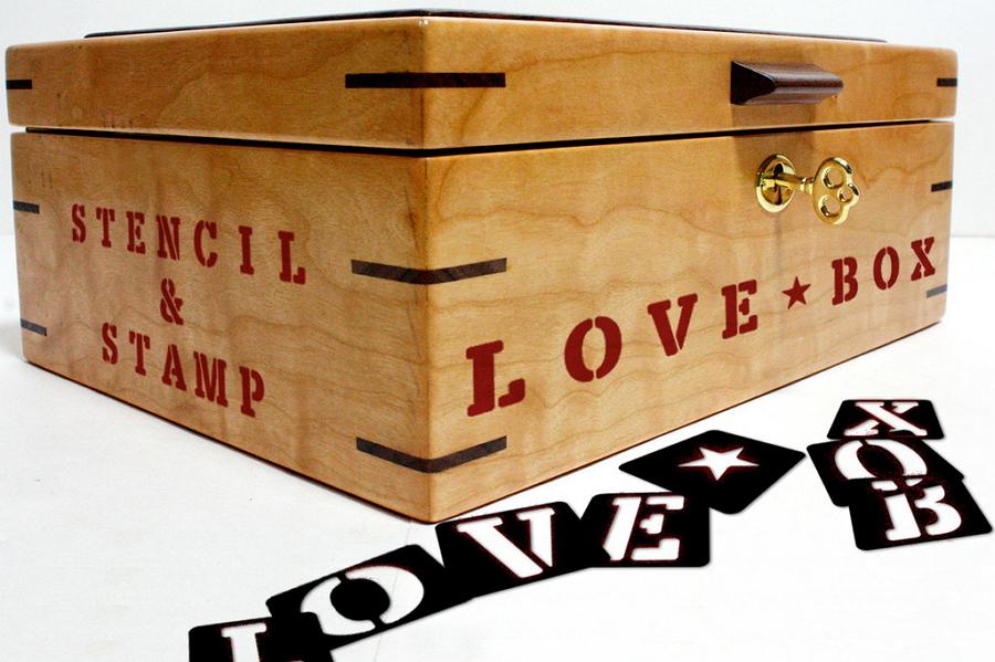 Free Love Box Font